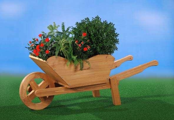 Blumenkarre aus Holz